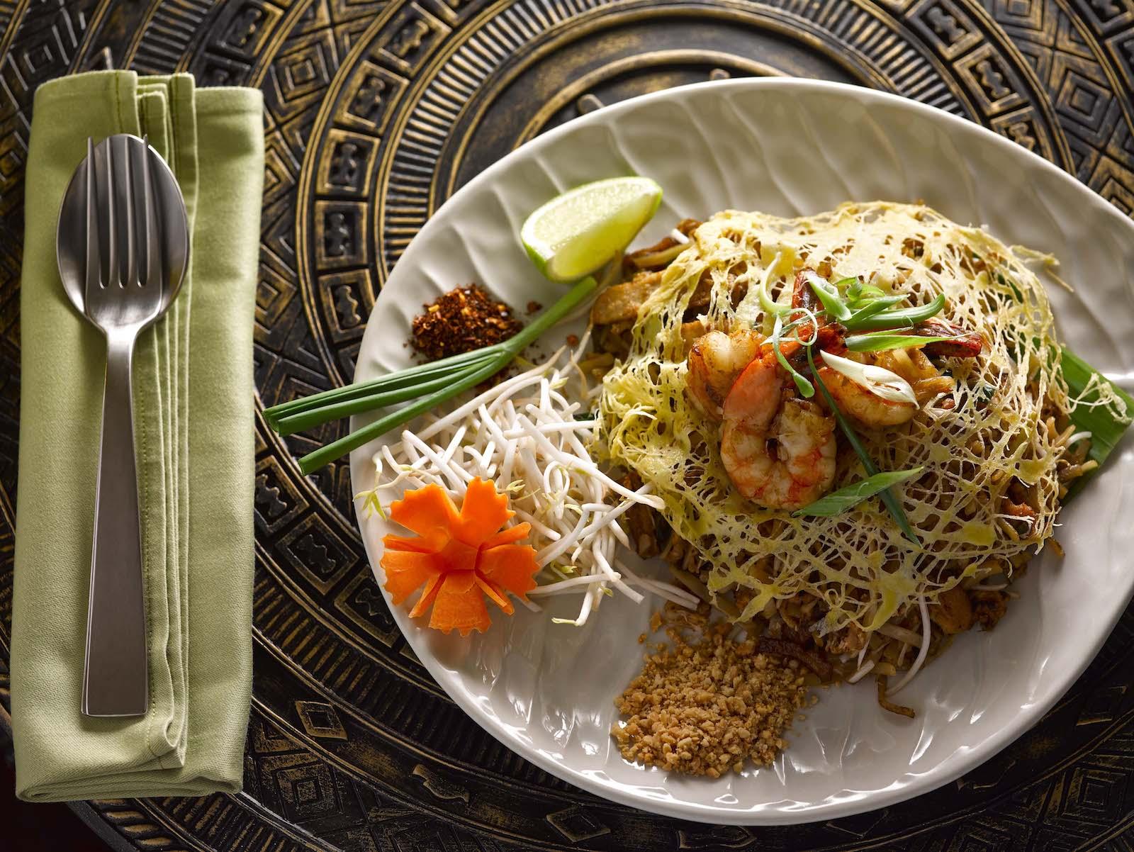 dusit-thani-abu-dhabi_dining_benjarong_food_pad-thai