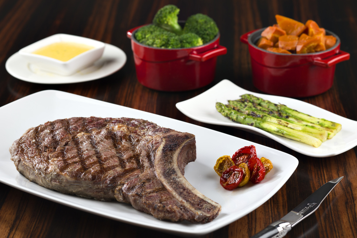 dusit-thani-abu-dhabi_dining_the-capital-grill_grilled-french-cote-de-beouf