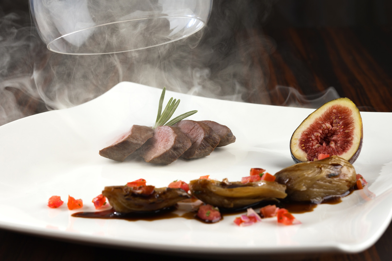 dusit-thani-abu-dhabi_dining_the-capital-grill_smoked-lamb-loin-&-fig