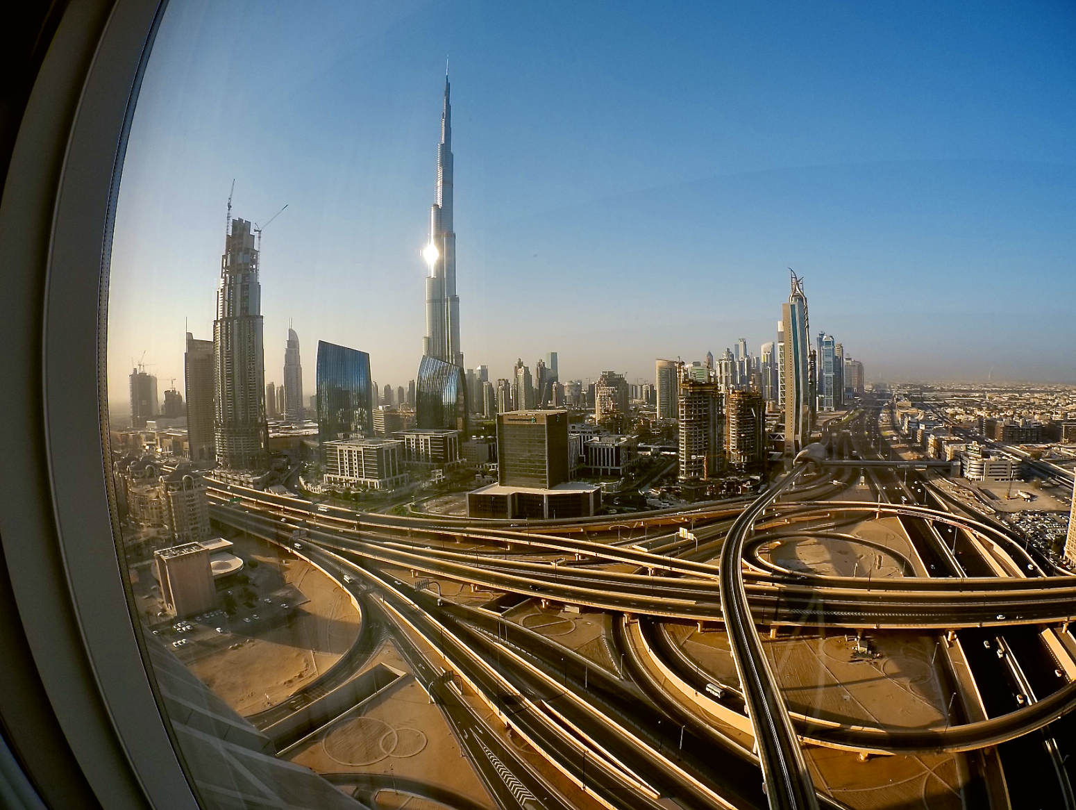 Weekend at Dusit Thani Hotel in Dubai   Weekend ideas for the UAE