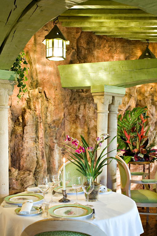 L'Oasis restaurant in Mandelieu-la-Napoule, France